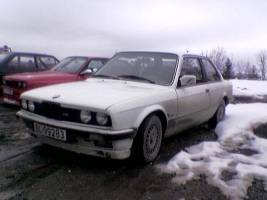 bmw-320i-e30-84-krokanis-2