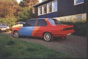 BMW 323 E21 fargekart 2